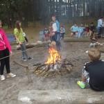 Nie obeszło się bez ogniska i pieczenia kiełbasek.