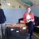 Ada i Jasiek na zajęciach teatralnych.
